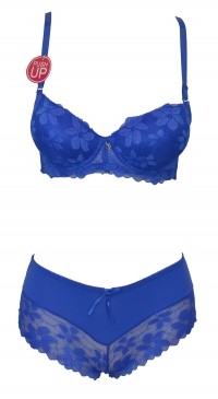 B cup bra and boxer brief set