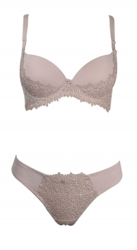 B cup bra set with thong